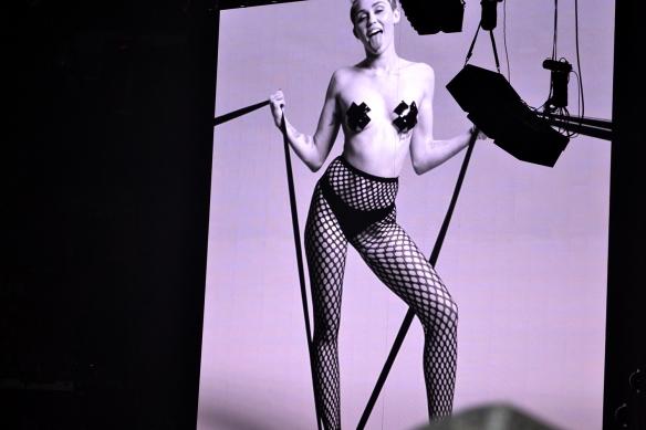 Miley22