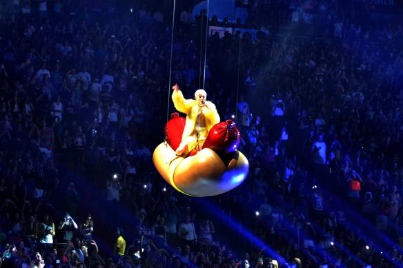 Miley25