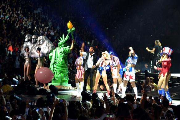 Miley28
